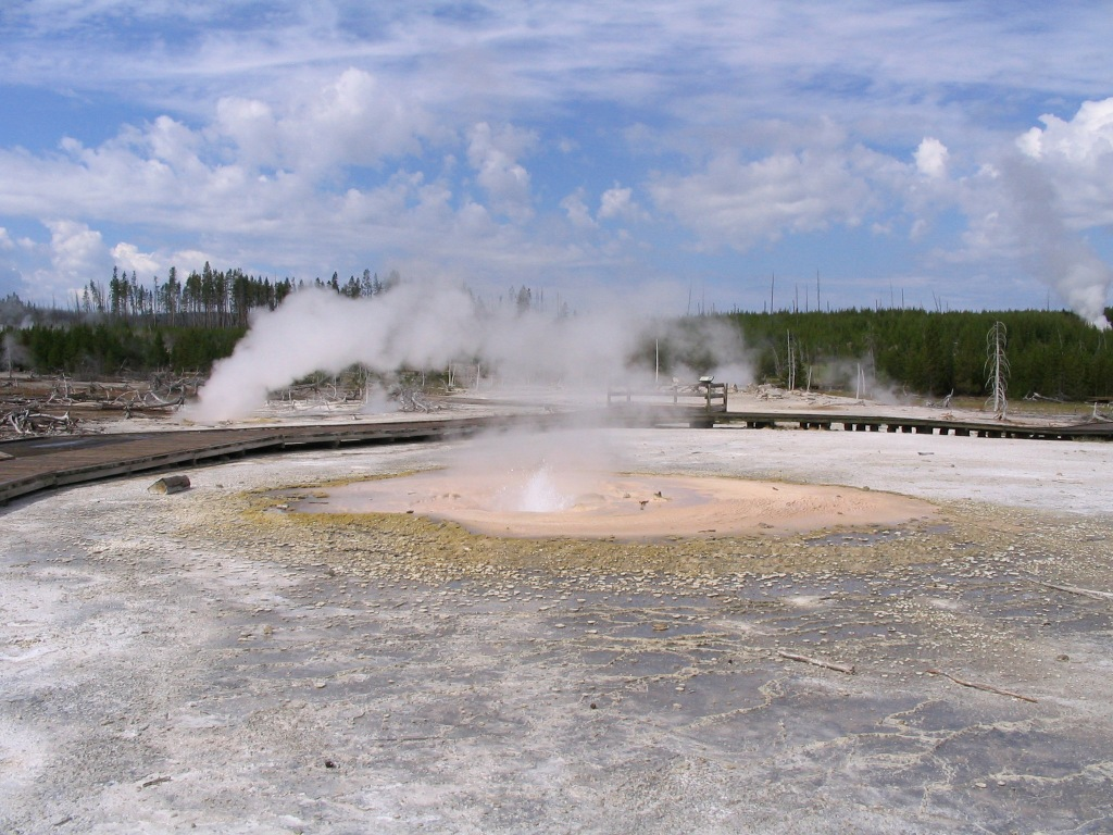 Yellowstone - geyser