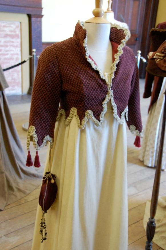 Exposition de costumes austeniens à Belsay Hall Dsc_6507