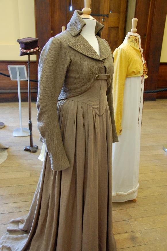 Exposition de costumes austeniens à Belsay Hall Dsc_6509