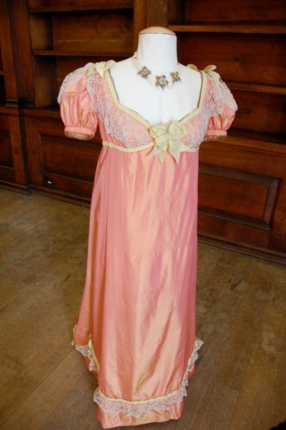 Exposition de costumes austeniens à Belsay Hall Dsc_6515
