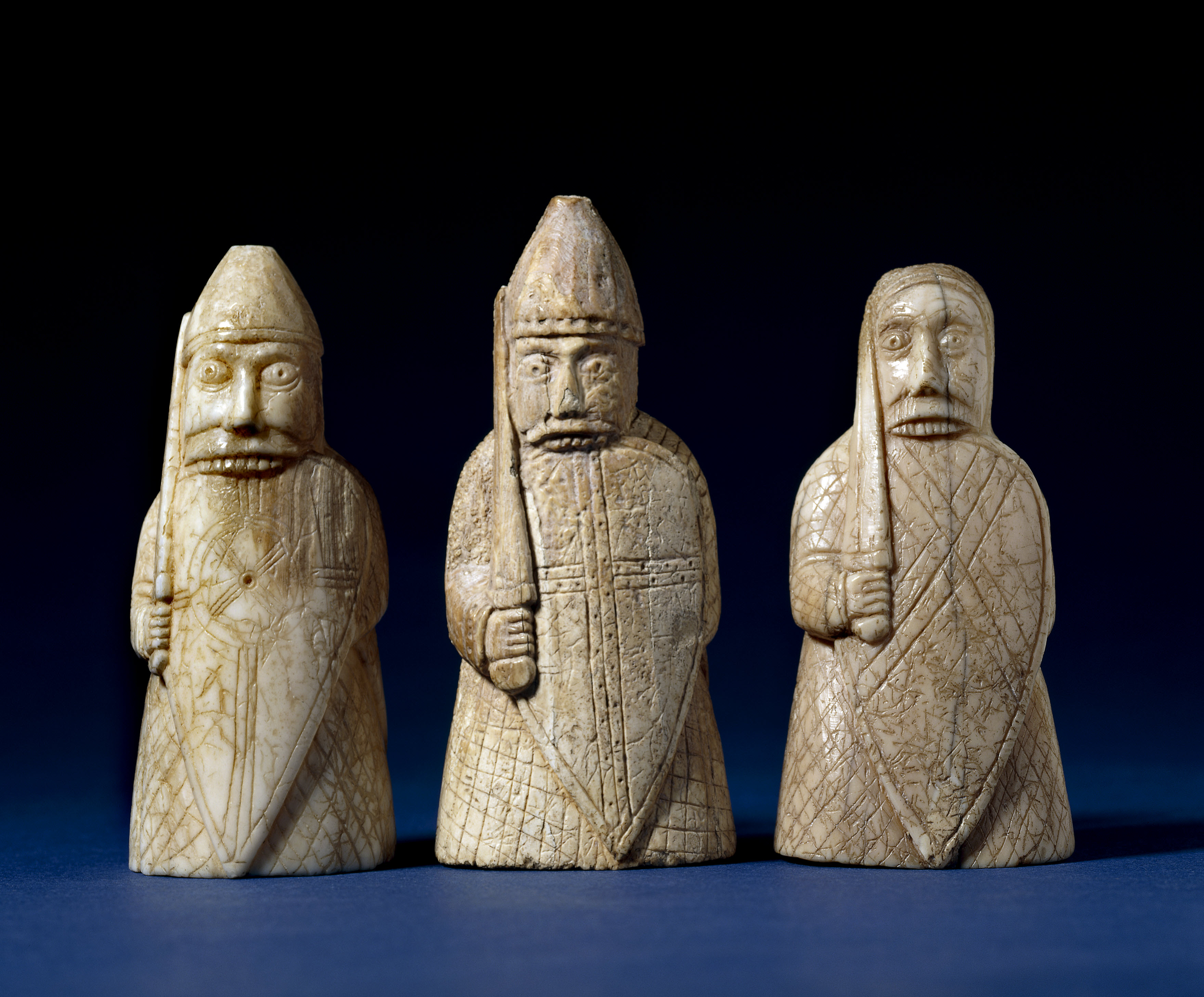 The viking invasion of london tammy tour guide - Lewis chessmen set ...