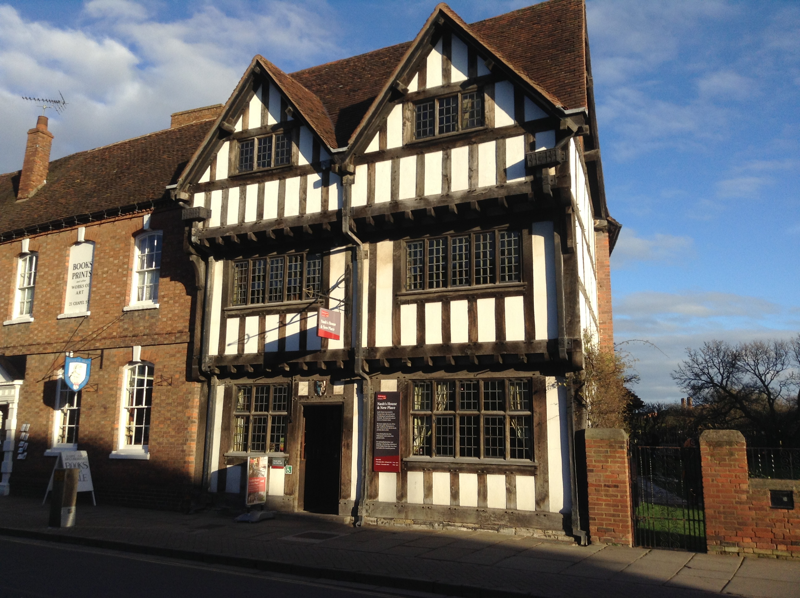 how to get to stratford upon avon from london