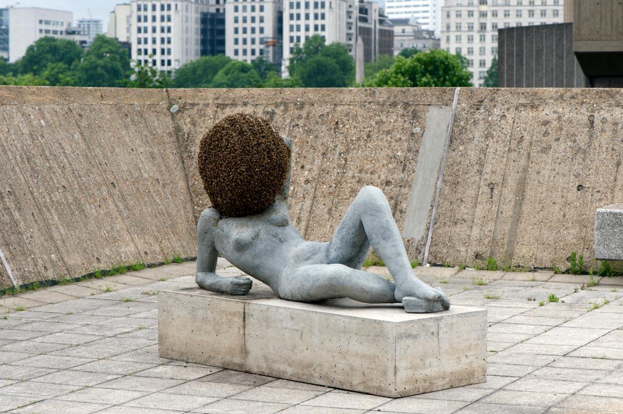 pierre-huyghe-liegender-frauenakt-untilled-2011-2012-2012-installation-view-the-human-factor-hayward-gallery-2014-photo-linda-nylind