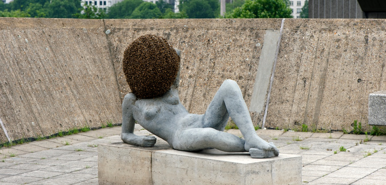 pierre-huyghe-liegender-frauenakt-untilled-2011-2012-2012-installation-view-the-human-factor-hayward-gallery-2014-photo-linda-nylind