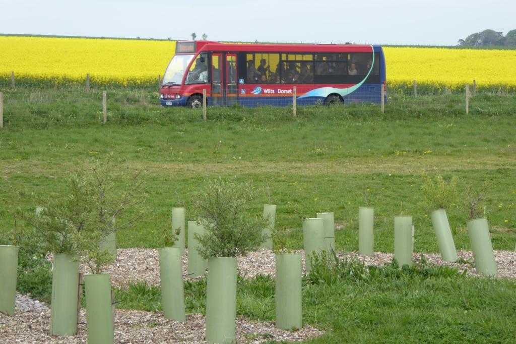 Stonehenge bus