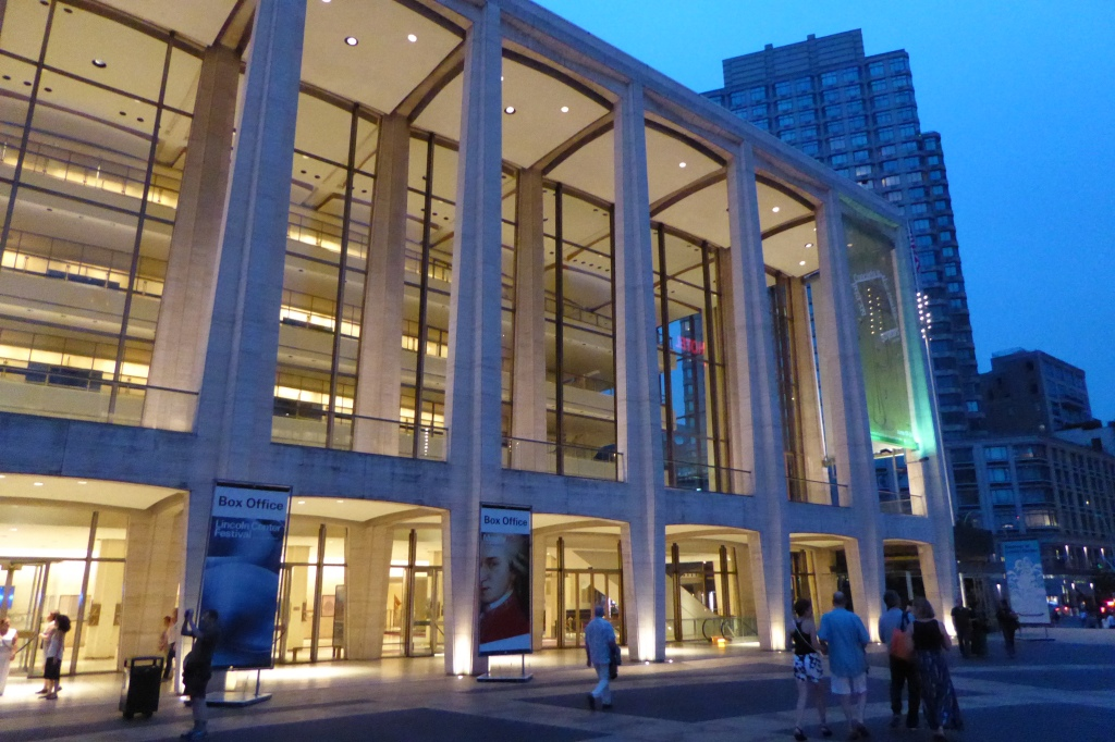 Lincoln Lincoln CenterCenter