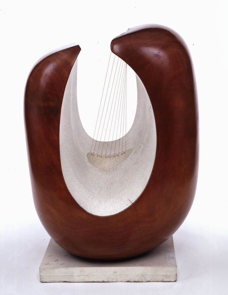 Curved Form (Delphi) c/o Bowness
