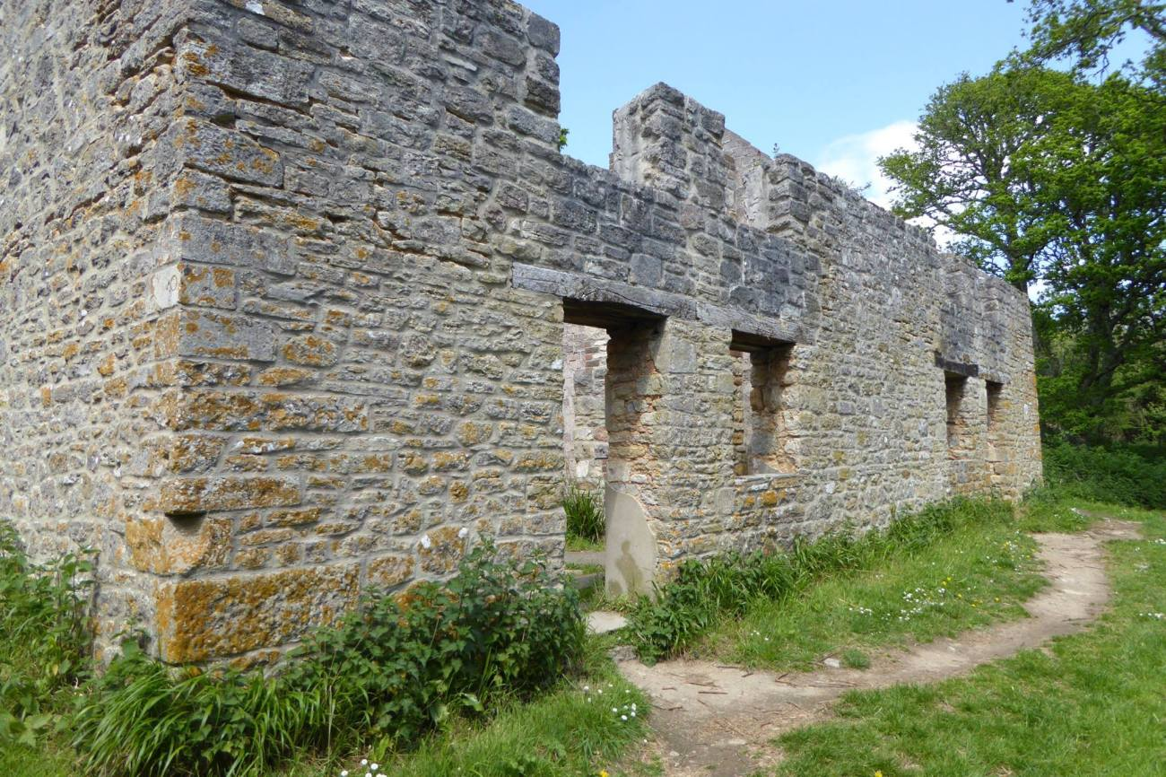 new_tyneham_ruins2
