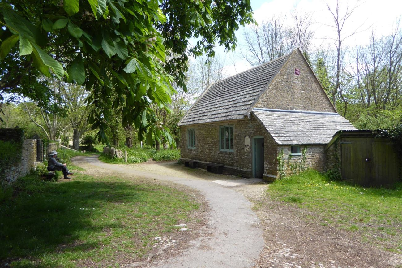 new_tyneham_schoolhouse