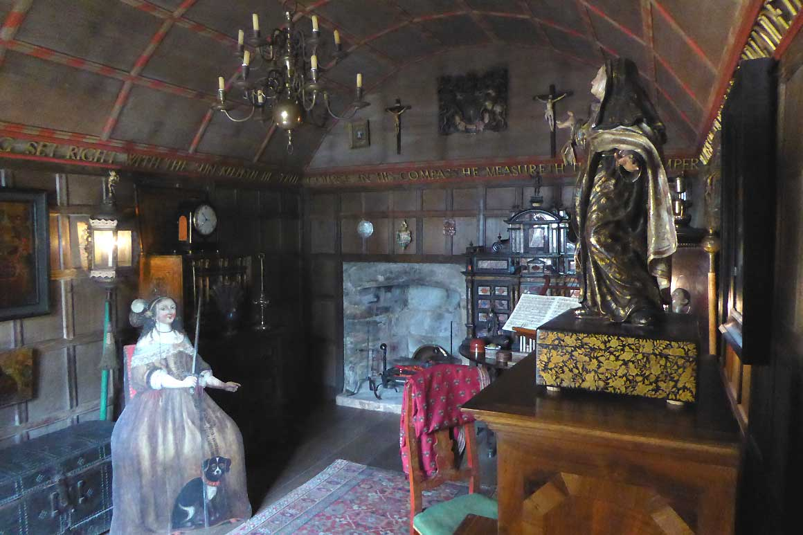 Snowshill - The Nadir Room - restored by Wade