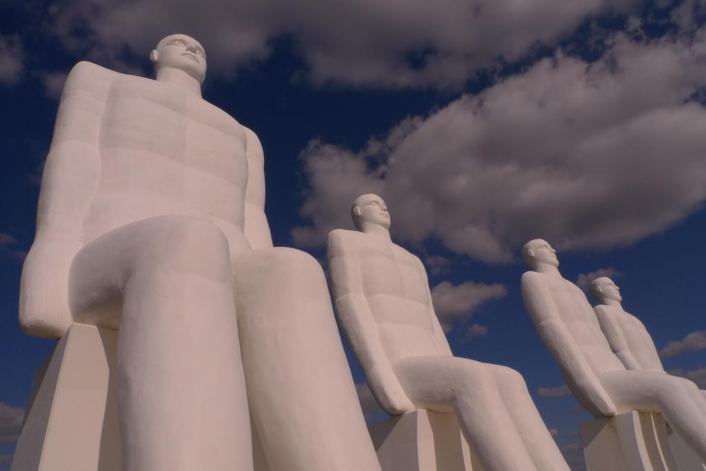 Esjberg statues