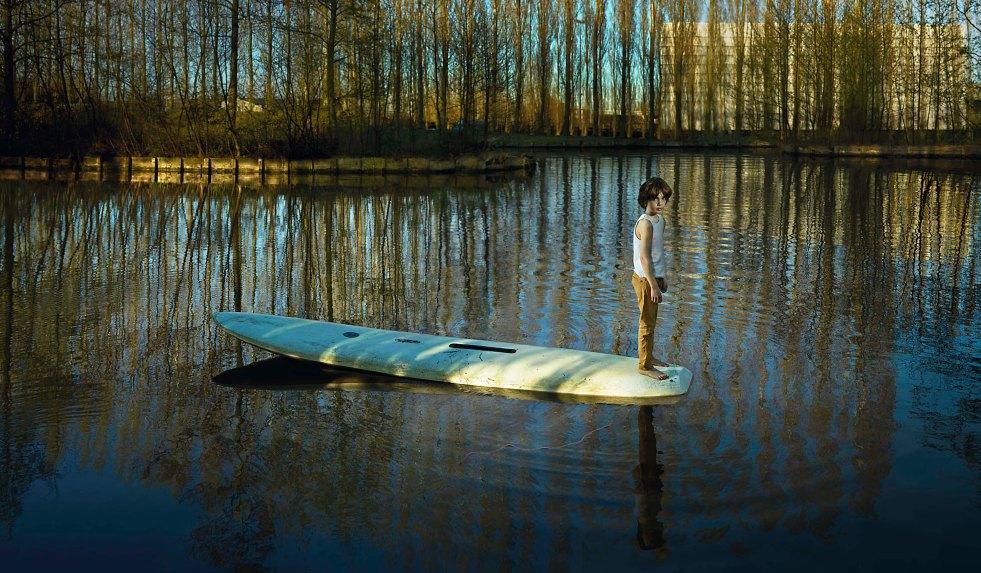Ellen Kooi_Meer-surfplank_camara oscura